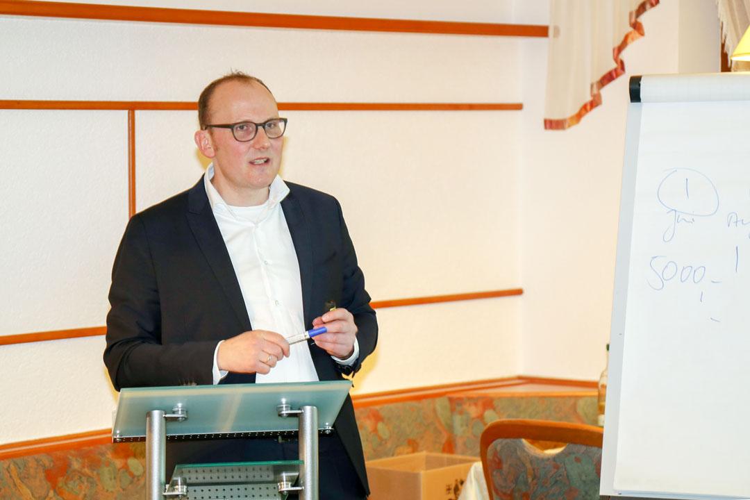 Stammtisch Gewerbeverein Floh-Seligenthal: Insolvenz - Krisenerkennung und Bewältigung mit Sven-Gratz